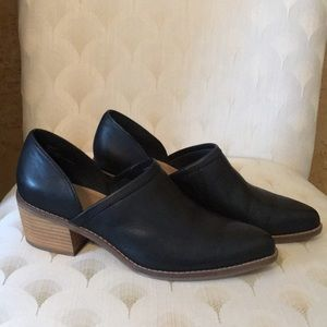Like New!! Worn once! Ankle bootie